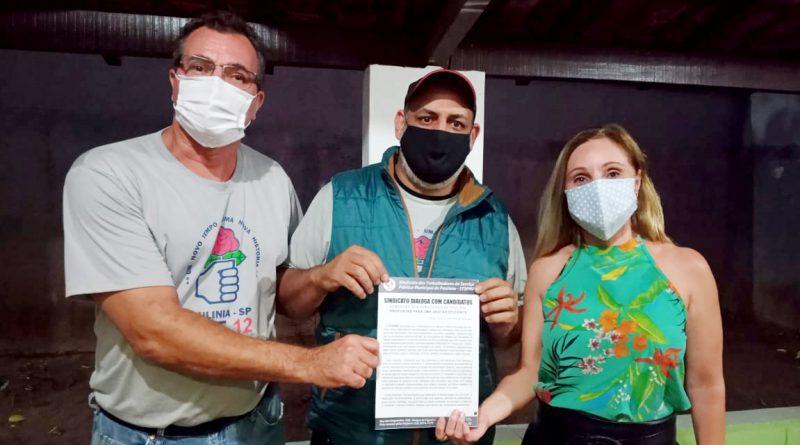 Candidato Renato Cardoso retira documento com as demandas dos Servidores na sede